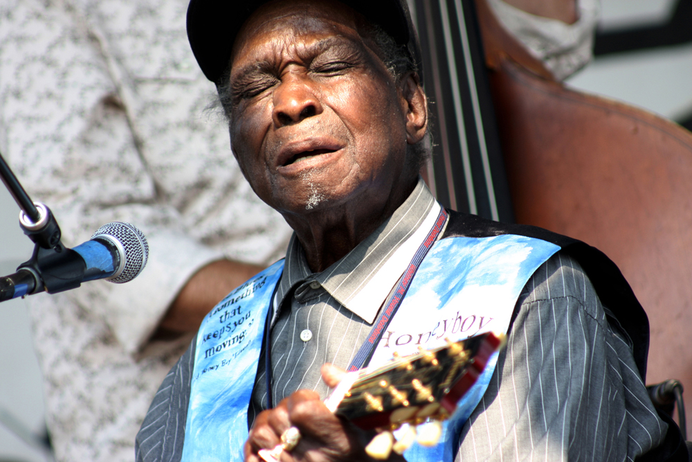 Honeyboy Edwards, September 21, 2008, at the Hideout Block Party